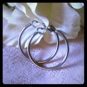 Vintage Medium Classic Hoop Earrings